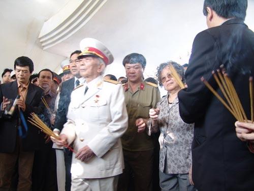 Ảnh: Tướng Giáp về chiến trường Điện Biên Phủ - 6