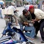 An ninh Xã hội - Dàn cảnh va chạm giao thông để cướp tài sản