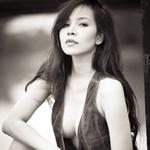 Thời trang - Ngọc Bích gây rạo rực với vòng ngực sexy