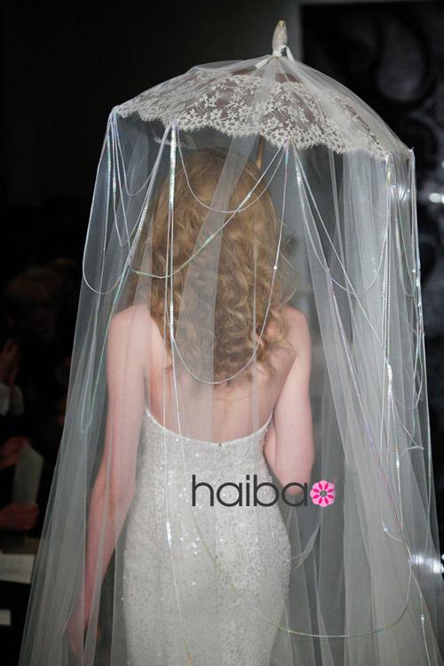 Khoe lưng trần - xu hướng váy cưới 2014 - 16