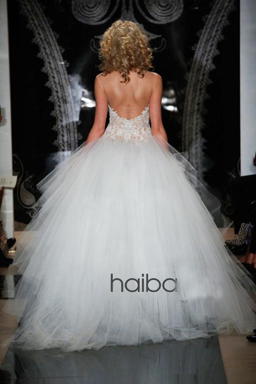 Khoe lưng trần - xu hướng váy cưới 2014 - 4