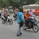 Tin tức trong ngày - 2 ngày, phạt 36 người đi bộ sai luật