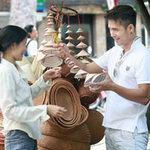 Trương Thế Vinh lãng đãng trên phố Hà Nội