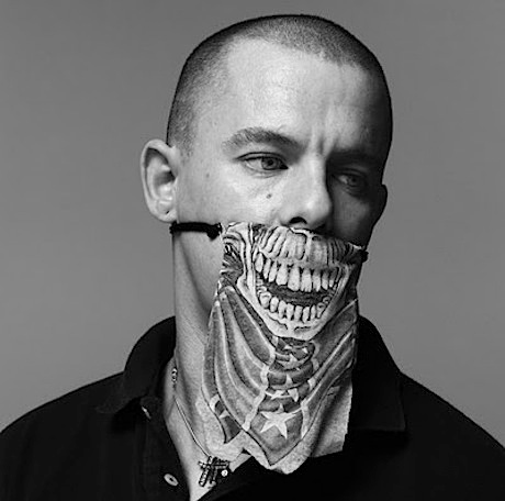 McQueen: Chàng gay làm náo loạn thế giới - 3