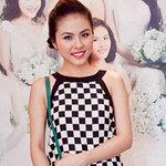 Vân Trang lăng xê mốt váy bàn cờ