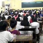 Giáo dục - du học - Lớp luyện thi đại học gần 700 sĩ tử