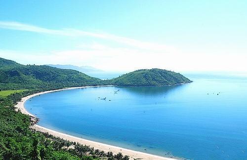 """Các bãi biển đẹp """"mê hồn"""" của miền Trung - 6"""