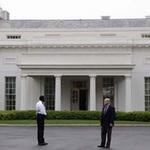 Tin tức trong ngày - Nhà Trắng sơ tán vì máy biến áp gặp sự cố