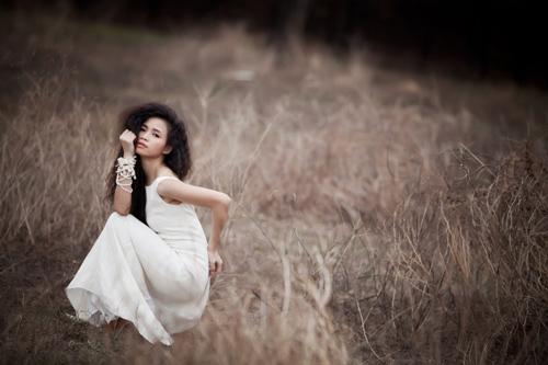 Đồng Lan hoang dại trong album mới - 9
