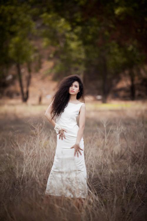 Đồng Lan hoang dại trong album mới - 10