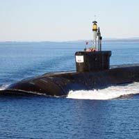 Thủy thủ VN chạy thử tàu ngầm Kilo
