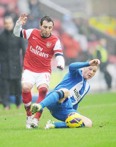 Arsenal - Wigan: Đấu súng ở Emirates - 1