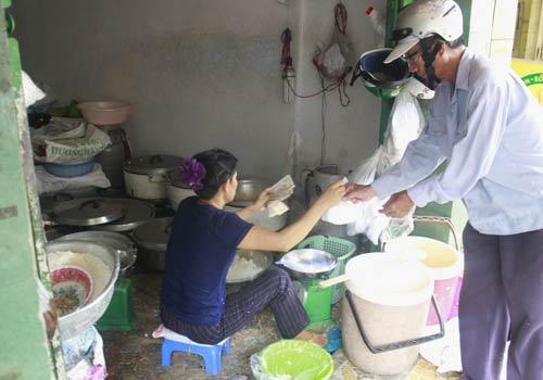 Độc đáo: Phố chỉ bán cơm không ở Sài Gòn - 10