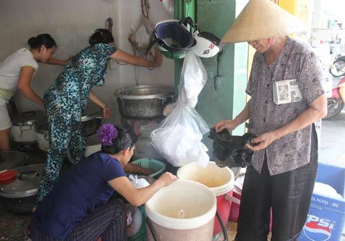 Độc đáo: Phố chỉ bán cơm không ở Sài Gòn - 11