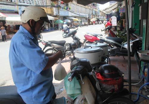 Độc đáo: Phố chỉ bán cơm không ở Sài Gòn - 12