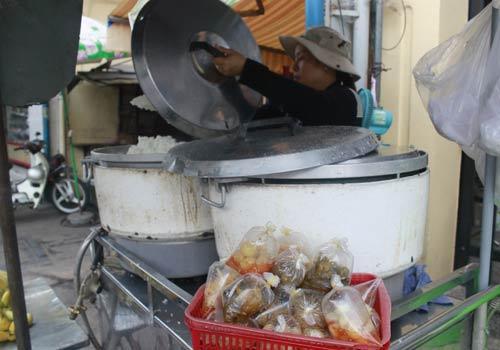 Độc đáo: Phố chỉ bán cơm không ở Sài Gòn - 14