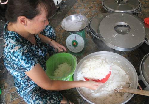 Độc đáo: Phố chỉ bán cơm không ở Sài Gòn - 15