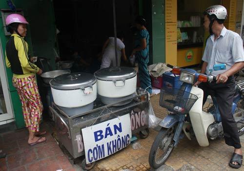 Độc đáo: Phố chỉ bán cơm không ở Sài Gòn - 3