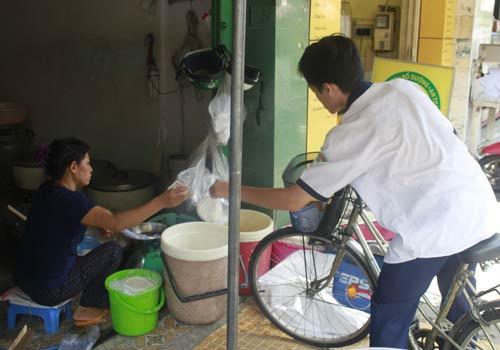 Độc đáo: Phố chỉ bán cơm không ở Sài Gòn - 5