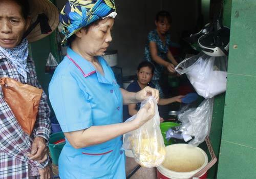 Độc đáo: Phố chỉ bán cơm không ở Sài Gòn - 8