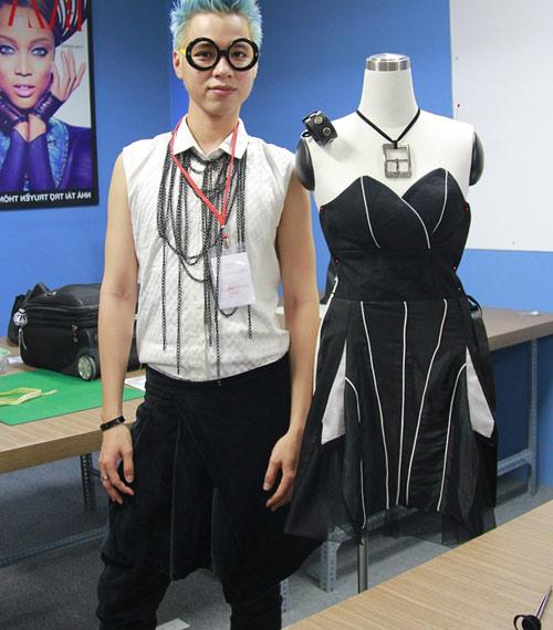 Hoàng Minh - Nam thí sinh thích mặc váy! - 1