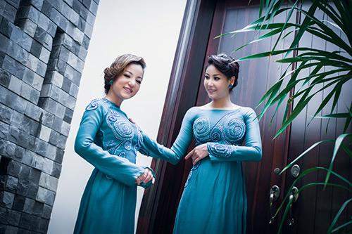 Hà Kiều Anh, Thúy Nga khoe dáng - 3