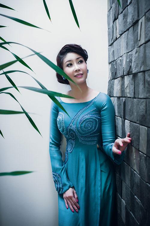 Hà Kiều Anh, Thúy Nga khoe dáng - 8