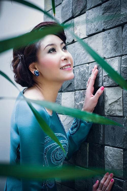 Hà Kiều Anh, Thúy Nga khoe dáng - 10