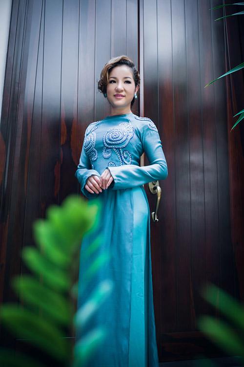 Hà Kiều Anh, Thúy Nga khoe dáng - 7