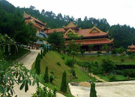 Những địa điểm du lịch tuyệt đẹp ở Đà Lạt - 3