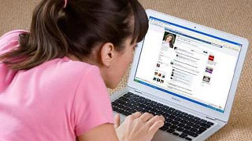 """""""Tình cũ khó phai"""" thời Facebook - 1"""