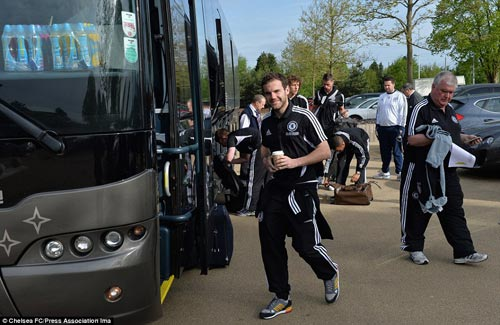 Chelsea mang Hazard và Terry tới Amsterdam - 1