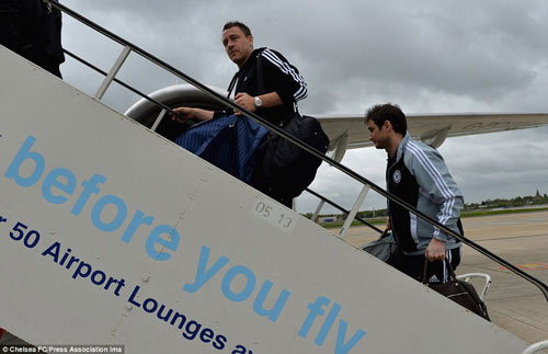 Chelsea mang Hazard và Terry tới Amsterdam - 4