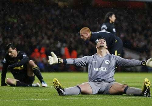 Arsenal: Trời Âu rộng mở - 2