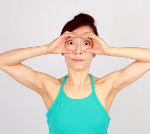 Khuôn mặt cũng cần tập yoga để trẻ hơn! - 3