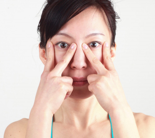 Khuôn mặt cũng cần tập yoga để trẻ hơn! - 4