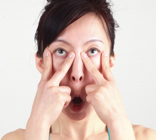 Khuôn mặt cũng cần tập yoga để trẻ hơn! - 6