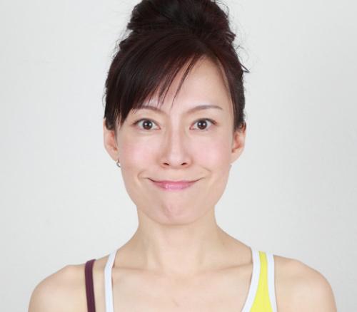 Khuôn mặt cũng cần tập yoga để trẻ hơn! - 7