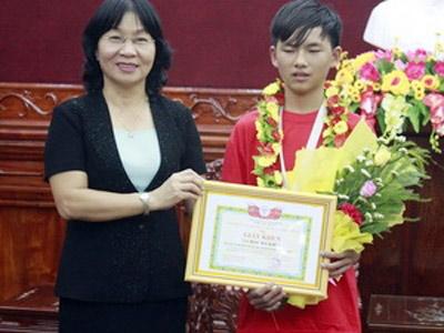 HS lớp 9 giành giải Sáng tạo trẻ quốc tế - 1