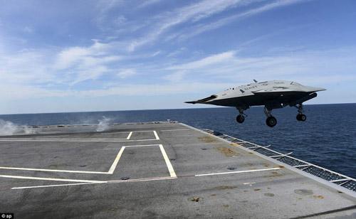 UAV Mỹ cất cánh thành công từ tàu sân bay - 3