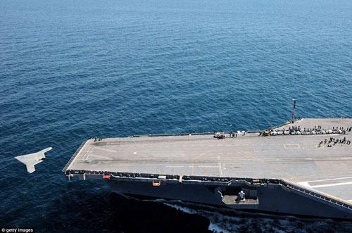UAV Mỹ cất cánh thành công từ tàu sân bay - 5