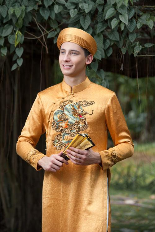 Vũ công BNHV đẹp lạ với áo dài Việt - 2