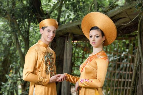 Vũ công BNHV đẹp lạ với áo dài Việt - 10