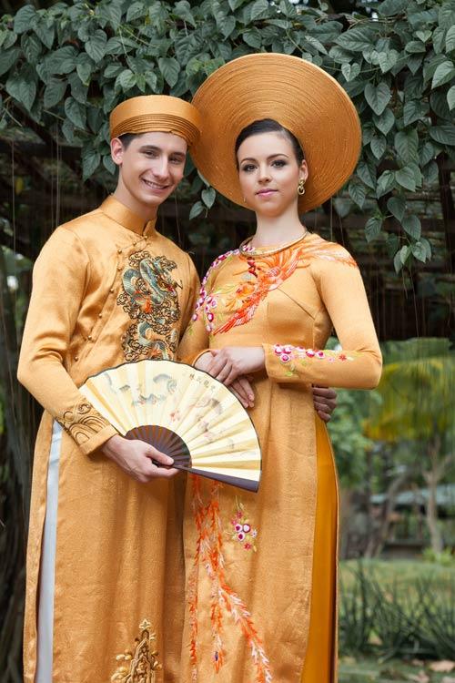 Vũ công BNHV đẹp lạ với áo dài Việt - 4