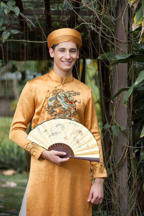 Vũ công BNHV đẹp lạ với áo dài Việt - 3