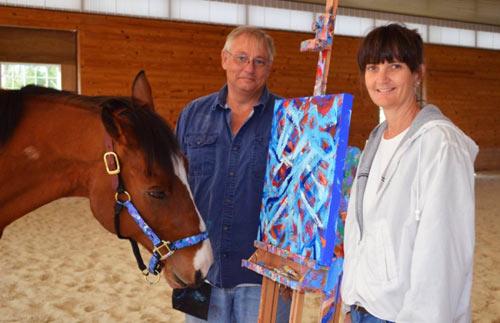 """Những bức tranh đắt giá của """"họa sĩ""""… ngựa - 1"""