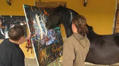 """Những bức tranh đắt giá của """"họa sĩ""""… ngựa - 3"""