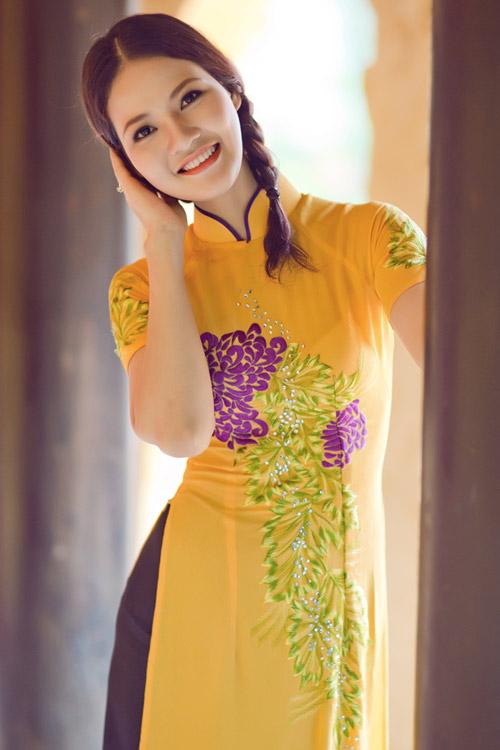 Trần Thị Quỳnh điệu đà áo dài vàng chanh - 14