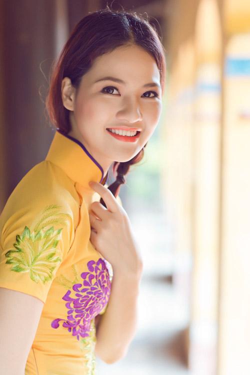 Trần Thị Quỳnh điệu đà áo dài vàng chanh - 16