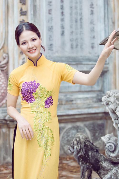 Trần Thị Quỳnh điệu đà áo dài vàng chanh - 18